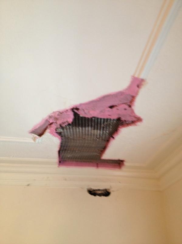 repairing plaster wall-image-2906769155.jpg